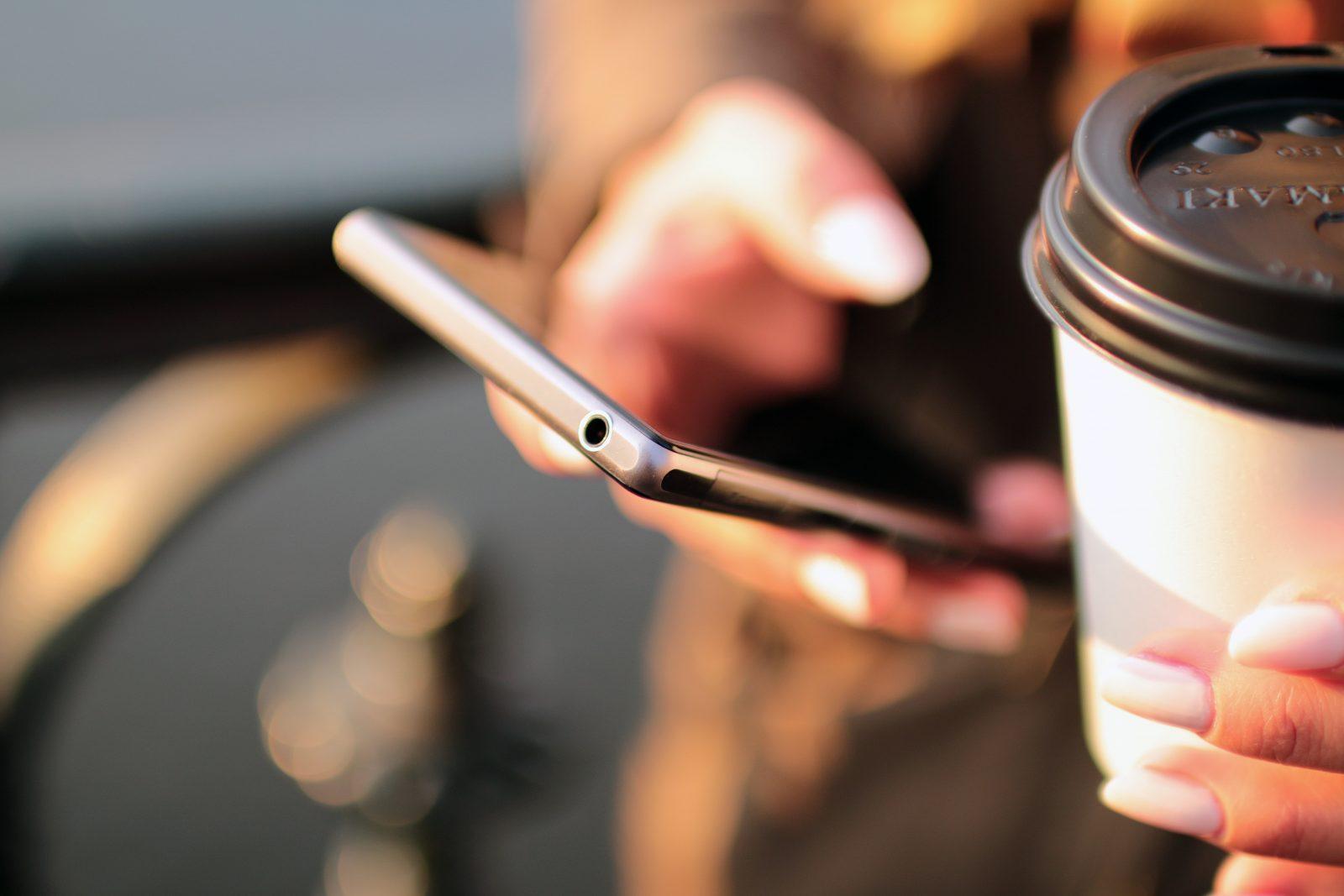Klickbart telefonnummer för mobilen på hemsidan